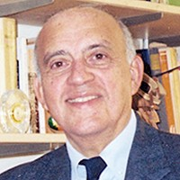 Dr. Dario Menanteau